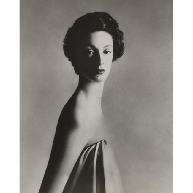 RICHARD AVEDON - 1923-2004 - 'MARELLA AGNELLI, NEW YORK STUDIO, DECEMBER 1953'- 46,875 USD - © Sotheby's