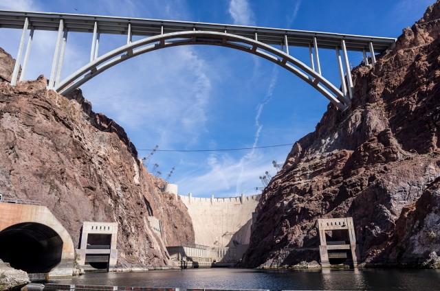 Hoover Dam, un loc potrivit pentru orice film de actiune.