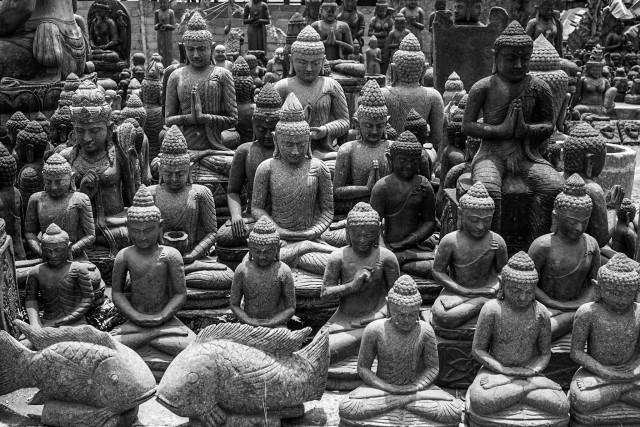 Statui Buddha, de vanzare in Bali.