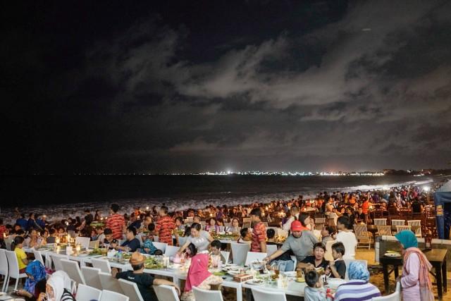 Plaja Jimbaran in noaptea de Craciun, Bali